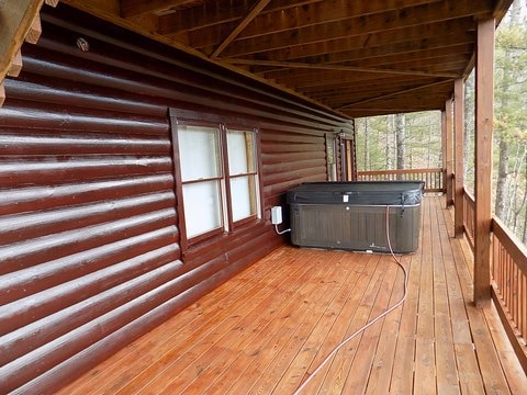 Log Home Staining & Restoration