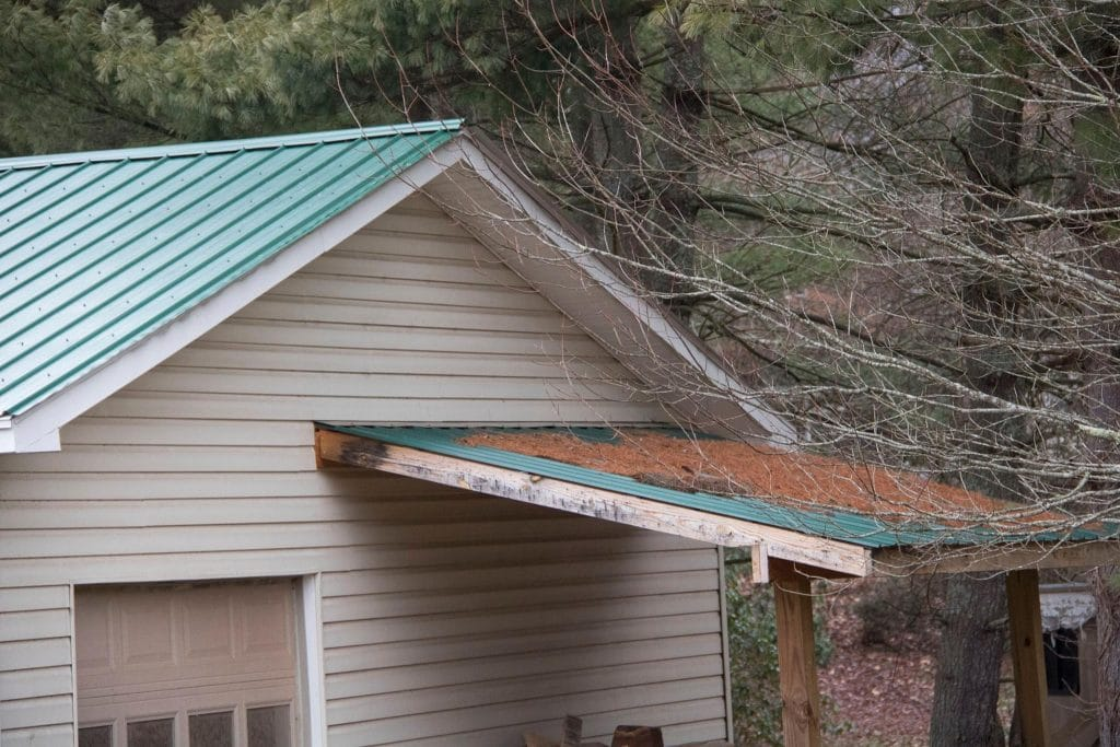 Guttering Cleaning Services: Roof Cleaning Services